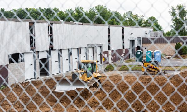 Amazon promises 235 jobs, $5.6M in construction for Holyoke distribution center